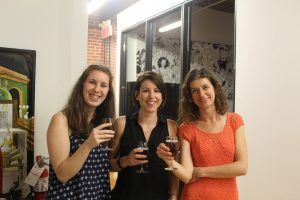 De gauche à droite, Chloé Nignol de DeGama, Amandine Gravier, directrice des communications chez Savoir-faire Linux et Dorina Mosku, coordonnatrice du projet Ring